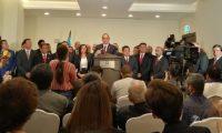 Alejandro Giammattei adelantó el 13 de junio algunos nombres de su posible gabinete en una presentación junto a su equipo. (Foto Prensa Libre: @DrGiammattei)