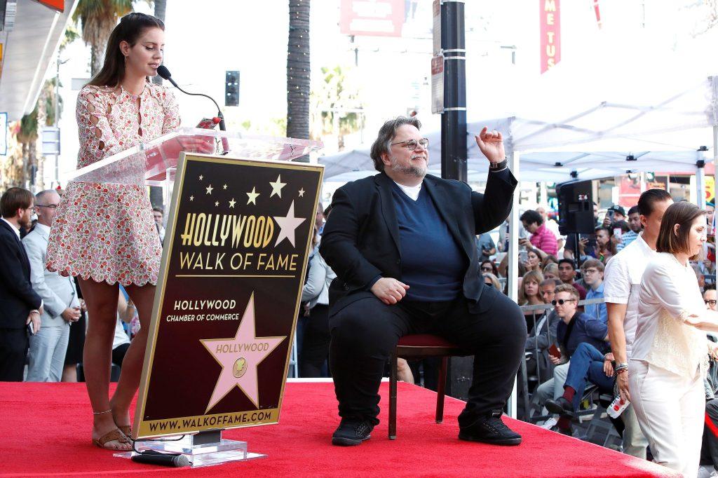 Del Toro fue seleccionado en 2017 para tener su estrella en el Paseo de la Fama. (Foto Prensa Libre: EFE)