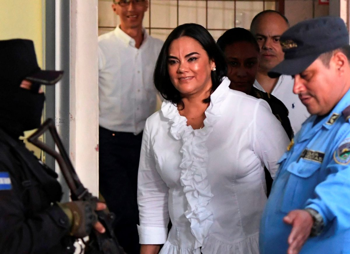 Esposa del expresidente hondureño Porfirio Lobo es declarada culpable por corrupción y podría pasar hasta 87 años en prisión