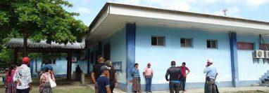Yeison Randolfo Chen Sacul, de 5 años, fue ingresado en el Hospital Distrital de Sayaxché, Petén, donde falleció. (Foto Prensa Libre: Dony Stewart)