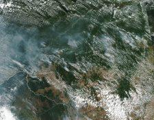 Fotografía muestra el avance del fuego en el Amazonas. (Foto Prensa Libre: EFE).