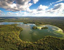 Fotografía aérea de la Laguna del Tigre. (Foto Prensa Libre: Cortesía Iván Castro Peña)