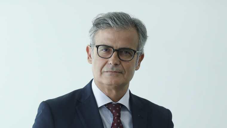 Juan Martínez Moya, Magistrado Español, Entrevistado en el edificio de Prensa Libre. (Foto Prensa Libre: Esbin García)