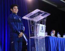 El atleta Jorge Vega participa en el Quinto Desayuno por la Oración. (Foto Prensa Libre: Presidencia)
