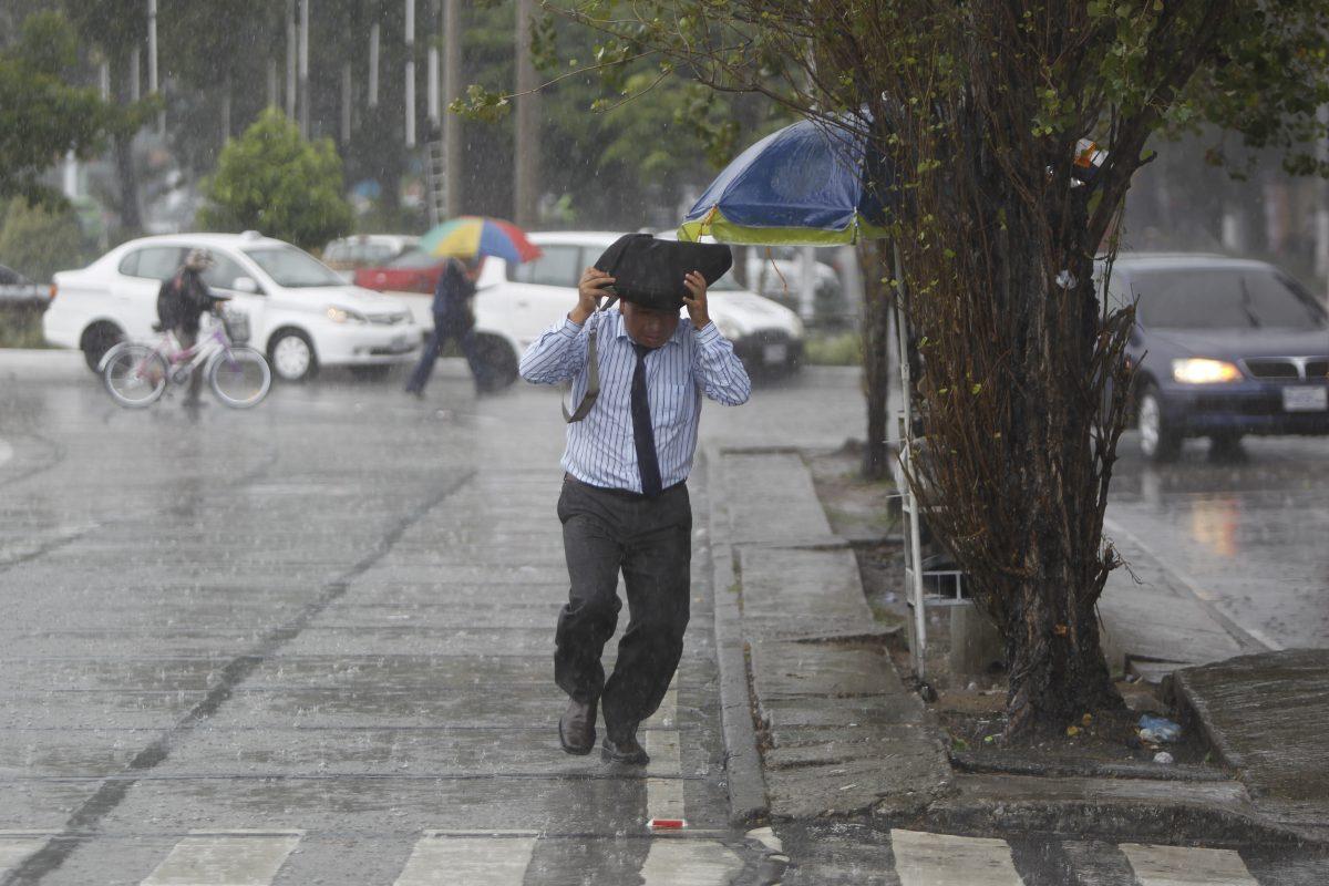 Lluvia seguirá en el país durante 24 horas más
