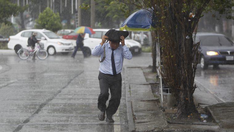 La lluvia seguirá esta semana. (Foto Prensa Libre: Hemeroteca)