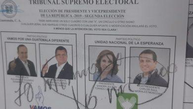 Guatemaltecos que votaron nulo expresan su inconformidad con mensajes en las papeletas