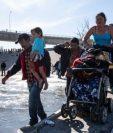 Migrantes afrontan más obstáculos para entrar a Estados Unidos, las autoridades en ese país han anunciado medidas drásticas. (Foto Prensa Libre: HemerotecaPL)