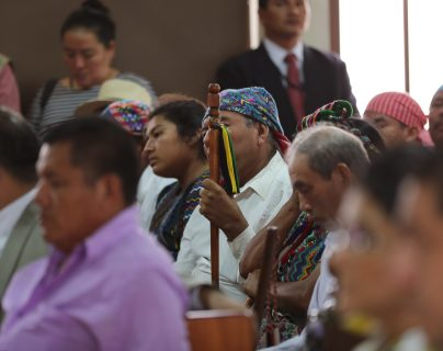 Líderes comunitarios, trabajadores, y pequeños empresarios, asistieron a la vista pública que se llevó a cabo en la  Corte de Constitucionalidad (CC) por el caso de Mina Fénix. (Foto Prensa Libre: Hemeroteca)