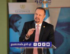 Ministro de Salud, Carlos Soto, debe acatar orden de juez que obliga a pagar más de Q66 milllones a trabajadores del Hospital San Juan de Dios. (Foto Prensa Libre: Hemeroteca PL)