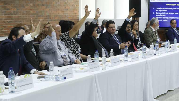 Una de las votaciones de la Comisión de Postulación para elección de magistrados de la Corte Suprema de Justicia. (Foto Prensa Libre. Hemeroteca PL)