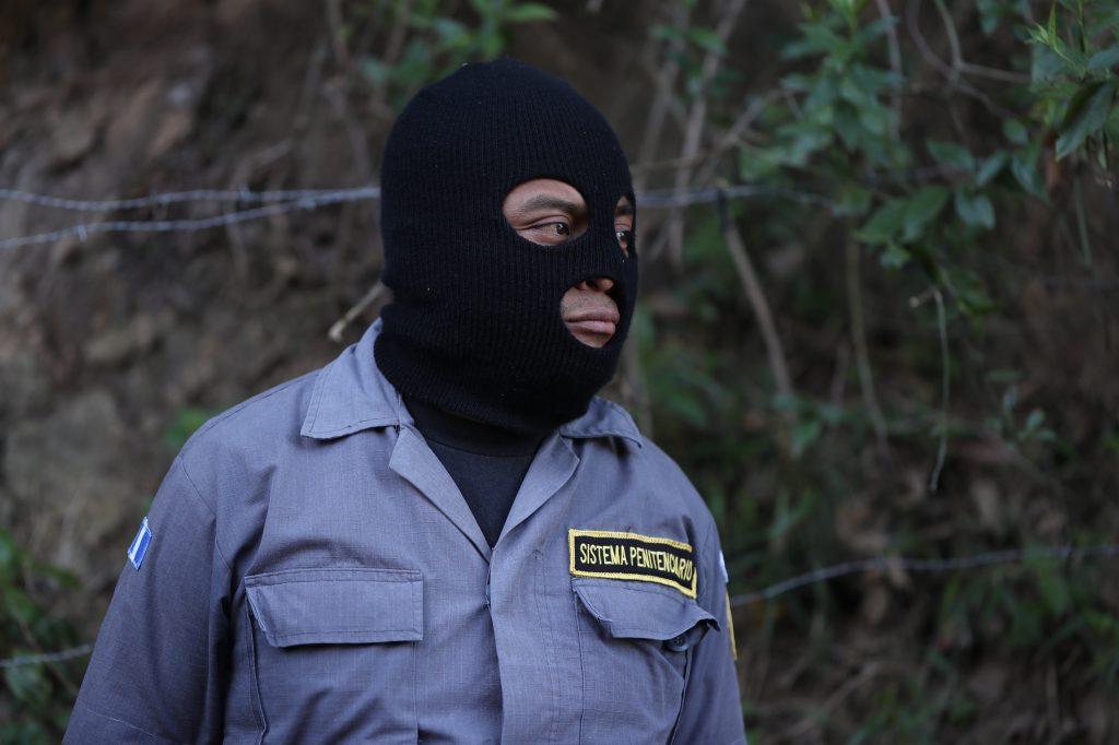 Los guardias exigen que sean tratados de la misma forma que la Policía Nacional Civil. Foto Prensa Libre: Óscar Rivas