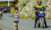 Dostin Garíca Moreno, de 6 años, participó en el Ascenso de los Cuchumatanes. (Foto Prensa Libre: cortesía Alborotando El Hormiguero)
