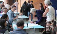 Guatemaltecos se dan cita en las urnas para elegir a los nuevos gobernantes (Foto Prensa Libre: Juan Diego González).