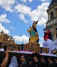Vistosa anda en la que resalta la imagen de la Virgen de la Asunción. (Foto Prensa Libre: Antonio Jiménez).