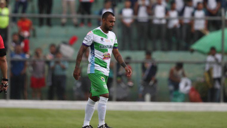 El delantero mexicano Édgar Pacheco es una de las nuevas figuras de Antigua GFC. (Foto Prensa Libre: Carlos Vicente)