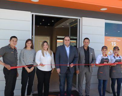 Dunkin' abre nueva tienda en carretera a El Salvador