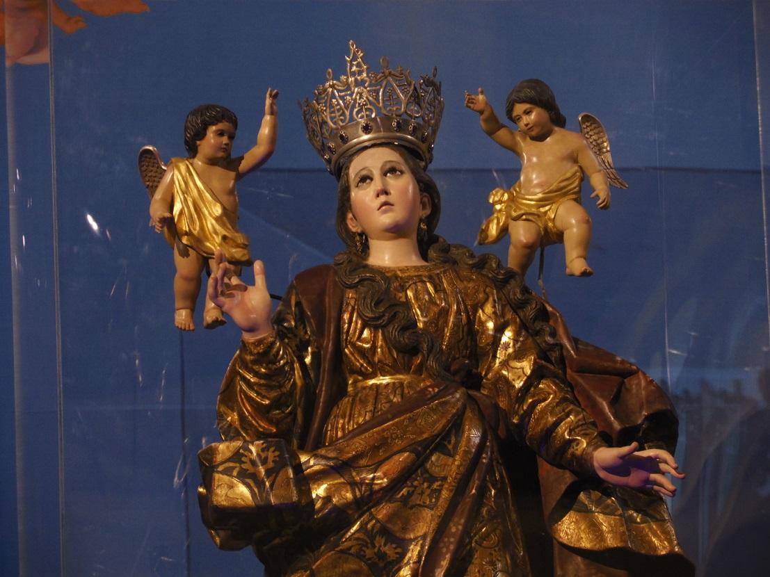 Imagen de la Virgen de la Asunci—n, patrona de la ciudad de Guatemala. Se venera en el altar mayor de la Parroquia que lleva su nombre en la zona 2.