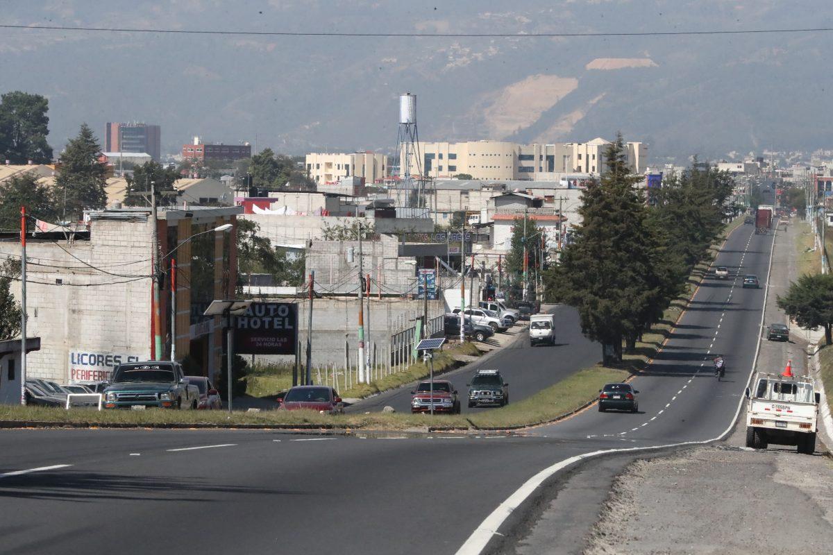 Cerrarán autopista Los Altos 10 días para utilizarla como parqueo de Xelafer