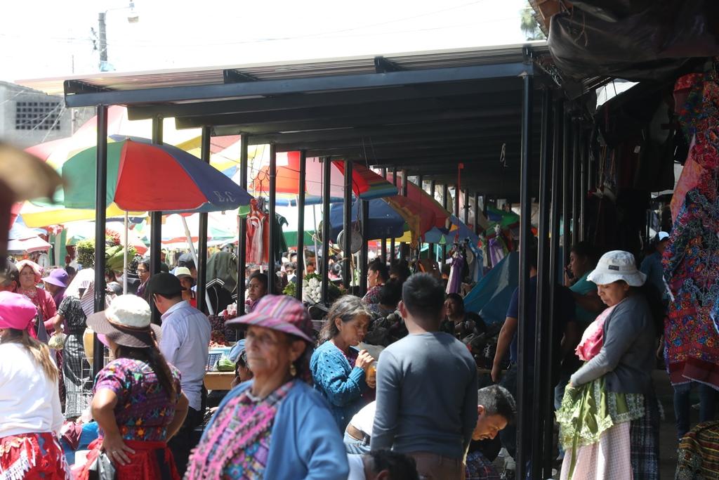 Red de corrupción vende espacios municipales en Q75 mil y Q90 mil en el mercado Minerva