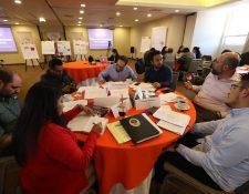 El programa Scale Up Xela se lleva a cabo cada mes en Quetzaltenango. (Foto Prensa Libre: Mynor Toc)