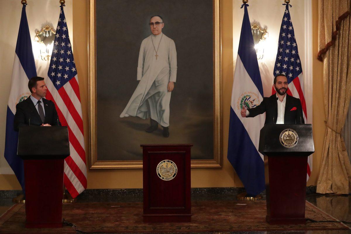 El Salvador no será tercer país seguro pero firma con EE. UU. un acuerdo para combatir la migración irregular y el crimen