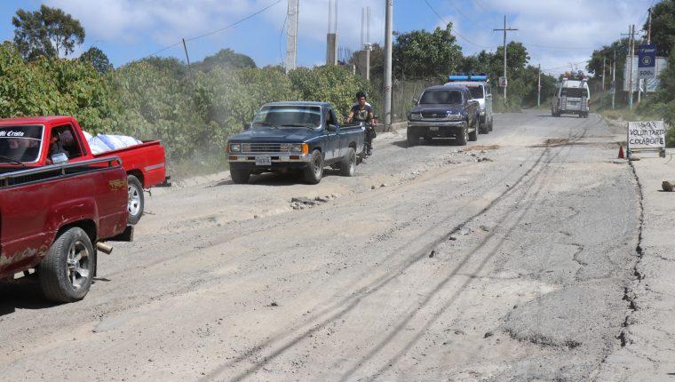 La carretera a San Pedro Jocopilas, Quiché, está en malas condiciones (Foto Prensa Libre: Héctor Cordero)