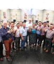 Directivos de Fedecocagua realizaron el brindis por la celebración de 50 años de fundación. Foto Norvin Mendoza
