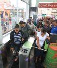 Los usuarios podrán utilizar una tarjeta de pago en el futuro, anunció la municipalidad. (Foto Prensa Libre: Hemeroteca PL)