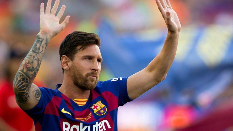 El argentino Lionel Messi gana como el mejor delantero de la Uefa. (Foto Prensa Libre: EFE).