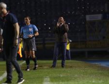 El entrenador argentino Mauricio Tapia está preocupado por las bajas en Comunicaciones. (Foto Prensa Libre: Francisco Sánchez)