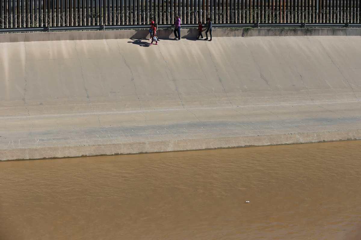 El Río Bravo se convierte en un torbellino mortal a su paso por Juárez