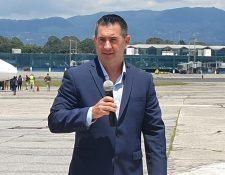 Timothy Robbins, director ejecutivo adjunto de ICE ERO, a su llegada e Guatemala. (Foto Prensa Libre: Dadiana Cabrera).