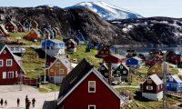 Casas en el pueblo de Upernavik, en el oeste de Groenlandia. (Foto Prensa Libre: EFE)