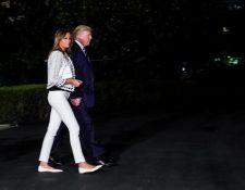 Donald Trump y su esposa, Melania, parten de Washington hacia Francia. (Foto Prensa Libre: EFE)