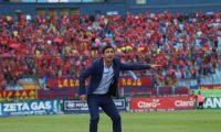 Sebastián Bini fue ratificado como entrenador escarlata para el resto del torneo Apertura 2019. (Foto Prensa Libre: Francisco Sánchez)