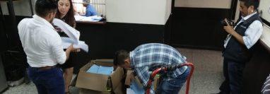 La Fiscalía Especial Contra la Impunidad (FECI) presentó el retiro de antejuicio en la oficina de Gestión Penal de la Torre de Tribunales. (Foto Prensa Libre: Kenneth Monzón)