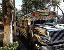 Pilotos de buses han decidido suspender el servicio debido a las extorsiones. (Foto Prensa Libre: Julio Sicán)