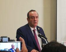 Alejandro Giammattei informa sobre la nueva comisión contra la corrupción que creerá con su gobierno. (Foto Prensa Libre: Andrea Orozco)