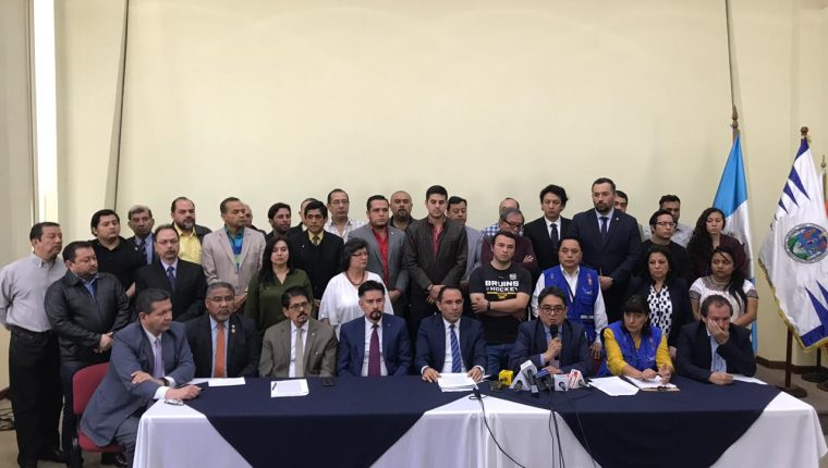 El Consejo Superior Universitario exigió a los estudiantes entregar las instalaciones tomadas para este martes 27 de agosto. (Foto Prensa Libre: Miriam Figueroa)