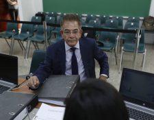 El juez Miguel Ángel Gálvez cuando presentó su expediente para integrar la nómina para ser magistrado de la CSJ. (Foto Prensa Libre: Esbin García)
