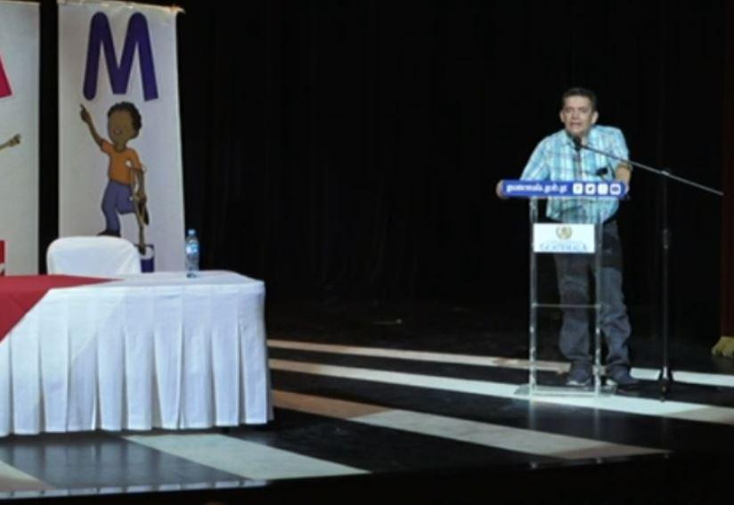 """Joviel Acevedo reconoce respaldo a Jimmy Morales y advierte a Giammattei qué harán para que """"caminen"""" las cosas"""