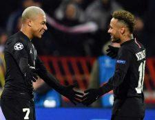 Mbappé quiere seguir jugando con Neymar la próxima temporada. (Foto Prensa Libre: AFP)