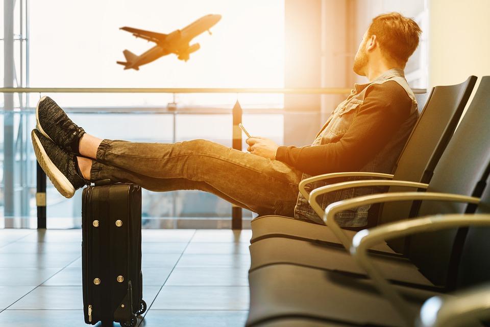 Tips viajeros: cómo soportar largas esperas en los aeropuertos