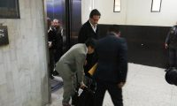 Exsecretario de la presidencia, Gustavo Alejos, comparece ante el juzgado. (Foto Prensa Libre: Kenneth Monzón)