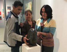 Conocer una obra a través de otros sentidos.  (Foto Prensa Libre: Fundación Rozas Botrán).