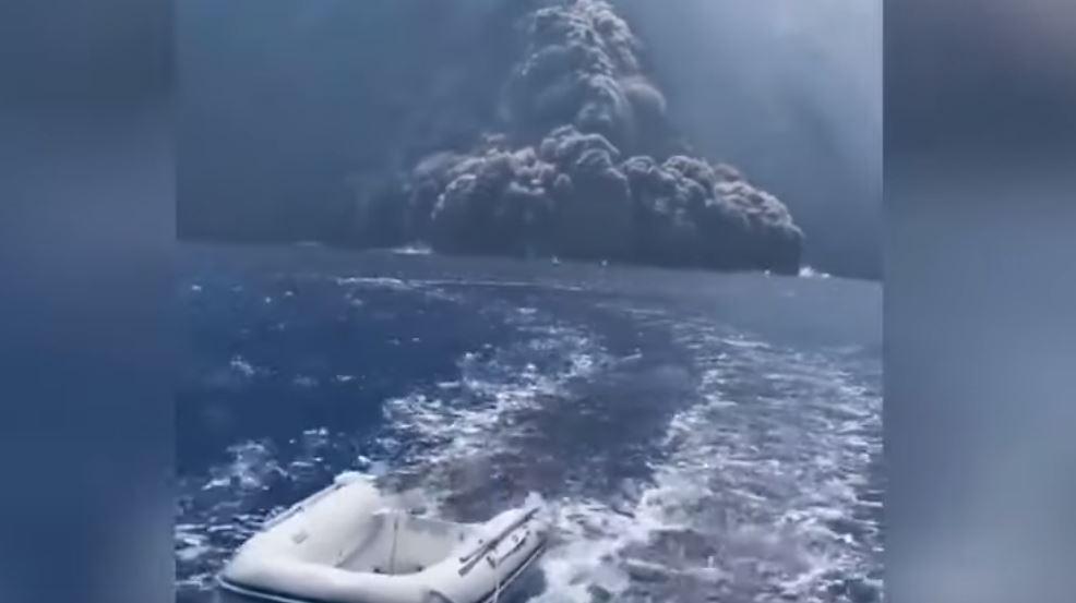 Video: turistas escapan milagrosamente de la furia de un volcán italiano