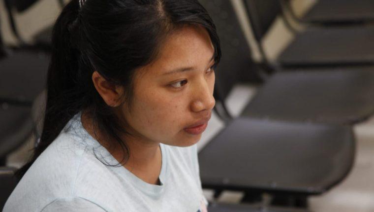 Leslie Corina Coyoy Istacuy fue procesada por extorsión. La investigación detalla que fingió estar secuestrada. (Foto Prensa Libre: Noé Medina)