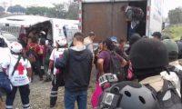 Los guatemaltecos fueron puestos a salvo por diversas instituciones mexicanas. (Foto tomada de la Secretaría de Seguridad Pública de Veracruz)