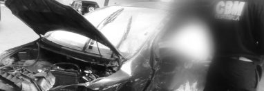 El vehículo quedó destruido debido al fuerte impacto. (Foto Prensa Libre: Amilcar Montejo)
